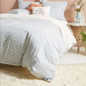 PERFECT CONDITION TWIN SIZE Anthropologie bedding